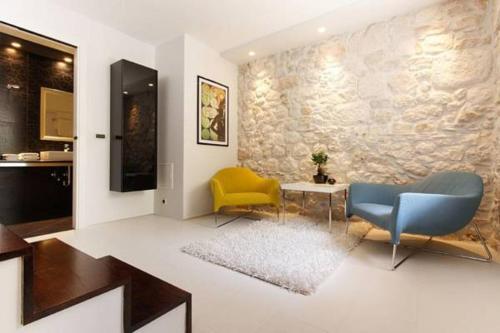 Marinela Suites
