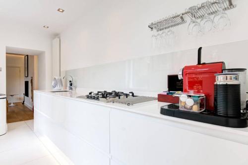 Kuchyňa alebo kuchynka v ubytovaní The Greyfriars Apartment