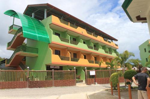 Lost Horizon Dive Resort Annex