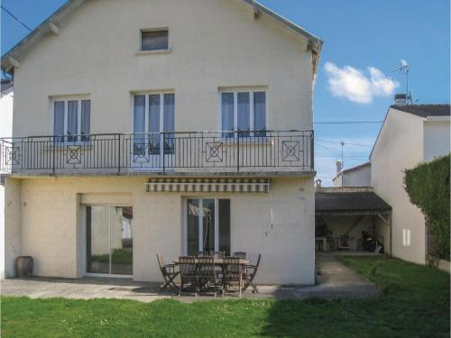 Five-Bedroom Holiday Home in St Jean d'Angely