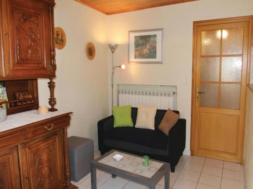 Coin salon dans l'établissement Three-Bedroom Holiday Home in Alboussiere