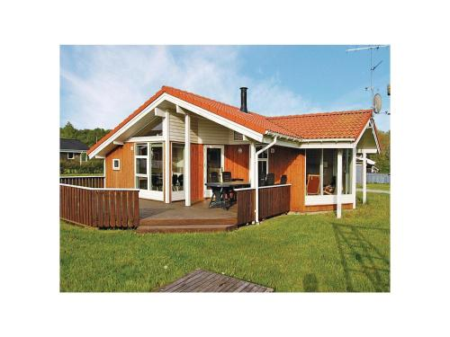 Holiday home Pøt Strandby In denk