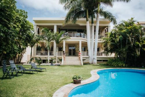 Mansion on the Golf Las Americas