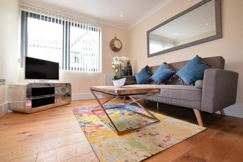 Riverside Apartments - Luxury 2 bed - YA