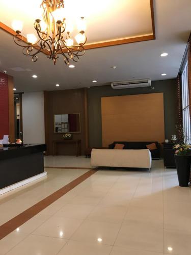 Diamond Sukhumvit Residence