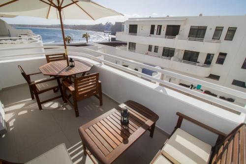 New stylish sea view Apartment Wifi Pool
