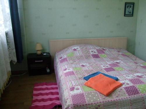 Lova arba lovos apgyvendinimo įstaigoje Ruta
