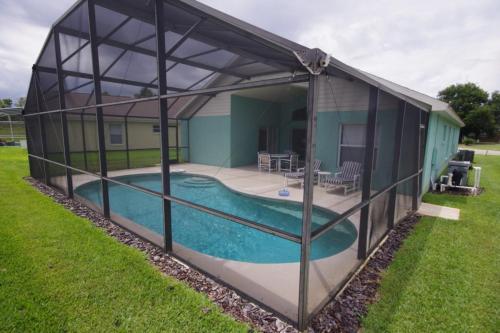 Three-Bedroom Oak Hill Trail Villa
