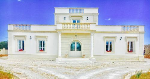 Villa Bianca con piscina nel sud salento