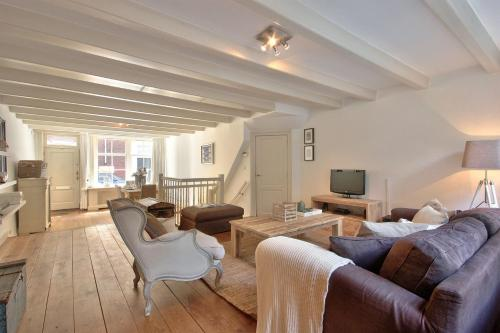 The Best Flats In Amsterdam Netherlands Bookingcom - 8 awesome extras in luxury hotel rooms