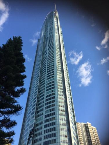 Iconic Q Luxury Apartment