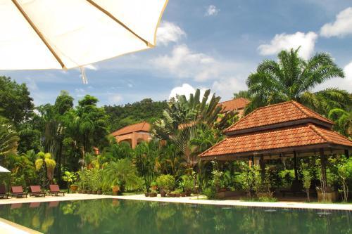 Khaolak Palm Hill Resort