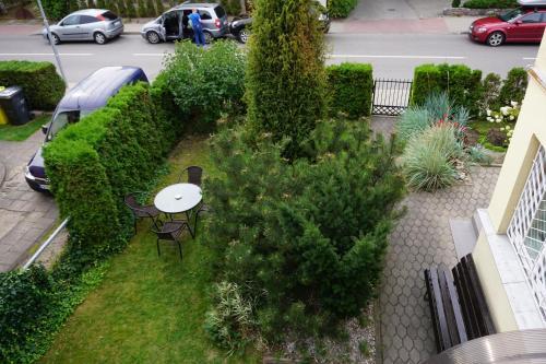 Vaizdas į sodą apgyvendinimo įstaigoje Apartamentai Vida arba netoliese