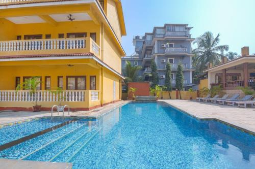 Penthouse room near Candolim beach, by GuestHouser