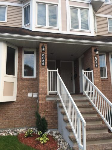 Spacious and Cozy 2 Bedroom Condo in Ottawa