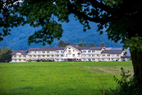 Momentum Hotel