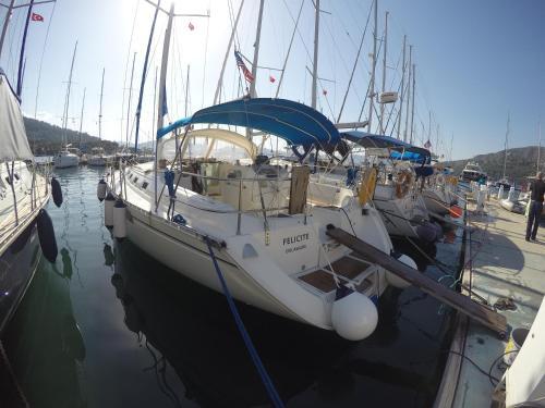 Парусная Яхта Felicite