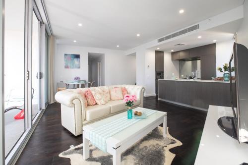 Sydney Blue Sky Apartment on on Hyde Park