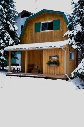 Hillside Lodge and Chalets during the winter