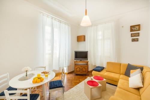 Aliya City Center Apartment