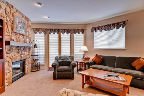 Snowstar Condominiums 18 Condo