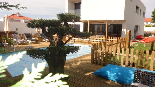 Alva Pool House