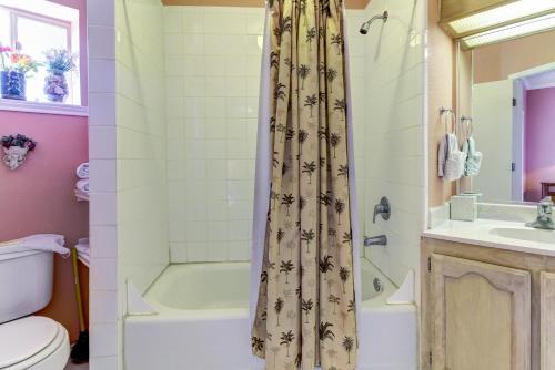 A bathroom at Beverly Condos #0003