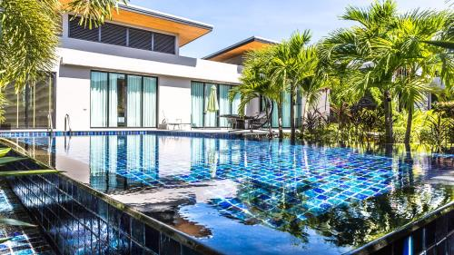 Modern 3 bedroom villa El near Nai Harn Beach