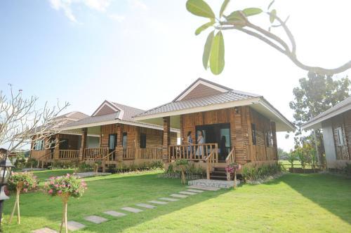 Chomna Resort