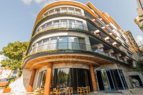 Golden Horn Apartments