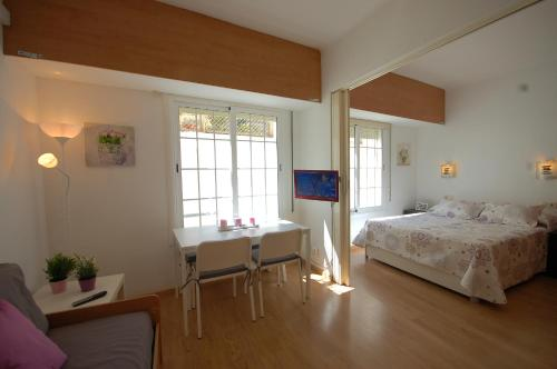 Lets Holidays Comfortable Apartment Near Beach