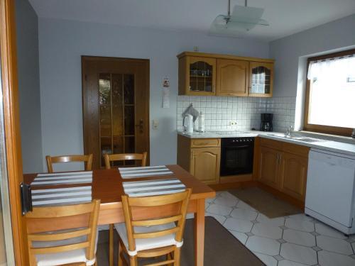 Küche/Küchenzeile in der Unterkunft Ferienwohnung Knauf