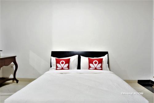 ZEN Rooms Chic Home Kemang