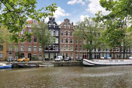 Marnix Canalview Luxury Apartments