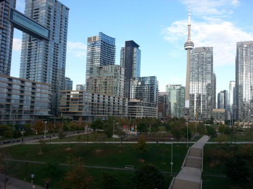 Toronto Downtown Condo with CN Tower View