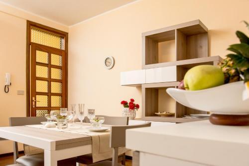 Ferienwohnung Feel at Home - LA TERRAZZA SUL BORGO (Italien Lovere ...