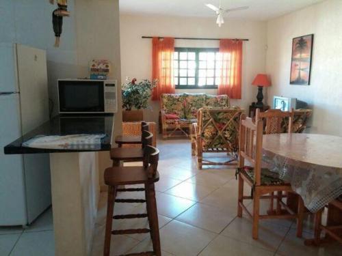 Casa Peruibe (Piscina - 40mts praia)
