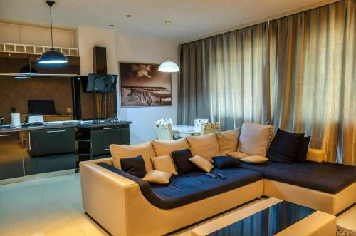 Top Residence Apartments