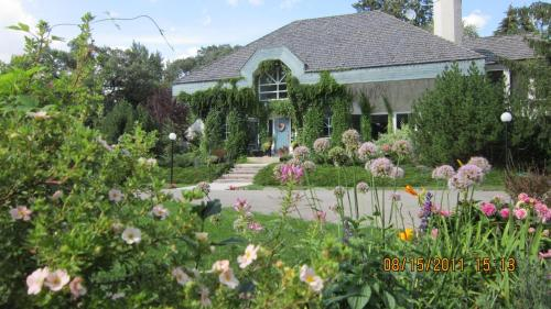 Evergreen Gate Bed & Breakfast