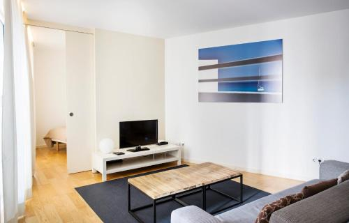 A television and/or entertainment centre at Durlet Beach Apartments