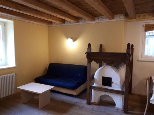 A seating area at Ciasa Torta