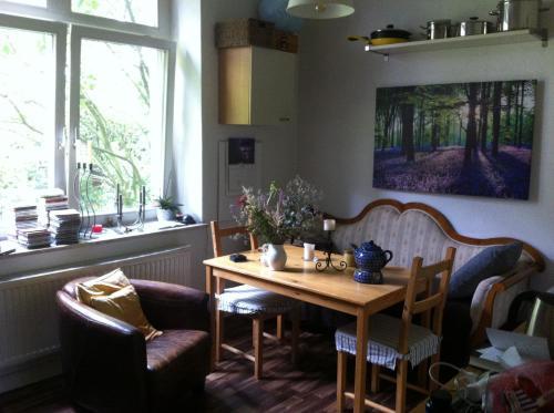 Ruhige, grüne Park-Whg_Quiet apartment in the green