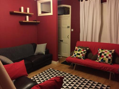 Cosy Two Bedroom House in Dublin City!