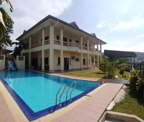 Alimah Villa -TTDI Sg Penchala homestay