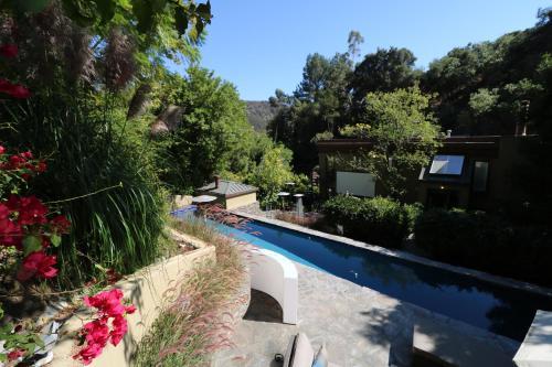 Swanky-Beverly Hills Home w/Heated Pool & Elevator