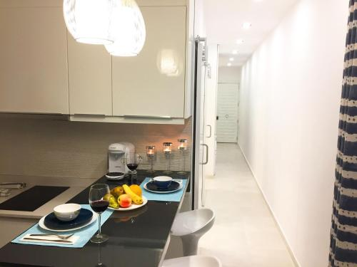 A kitchen or kitchenette at Sunny Islands TQ