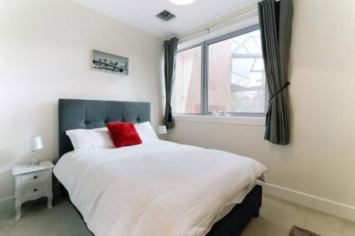 MK City Centre Serviced Apartment