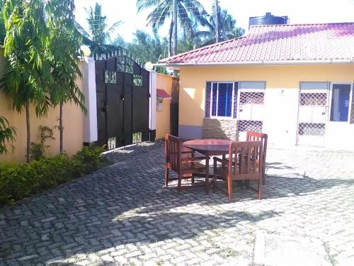 Kapia Gardens and Cottages