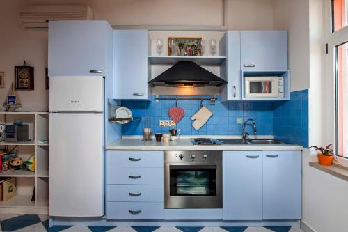A kitchen or kitchenette at Apartment Marin