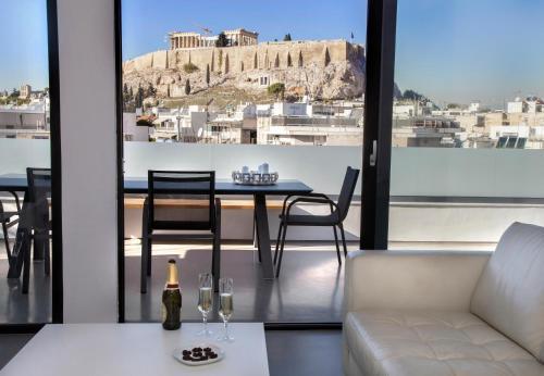 Luxury Penthouse touching the Acropolis